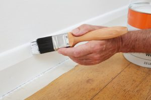 residential painter and decorator swansea glossing skirtings